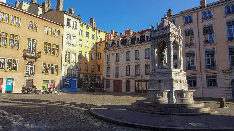 Площадь Saint-Jean