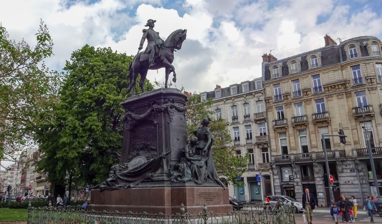Конный памятник генералу Луи Федербу