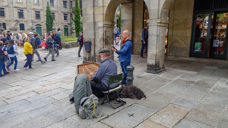 Играют на редких инструментах