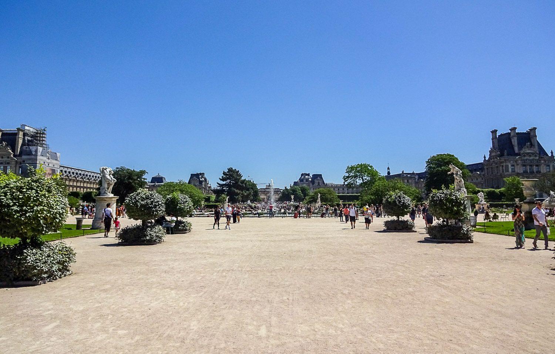 В Париже мне не часто удается сфотографировать места в центре без толпы туристов