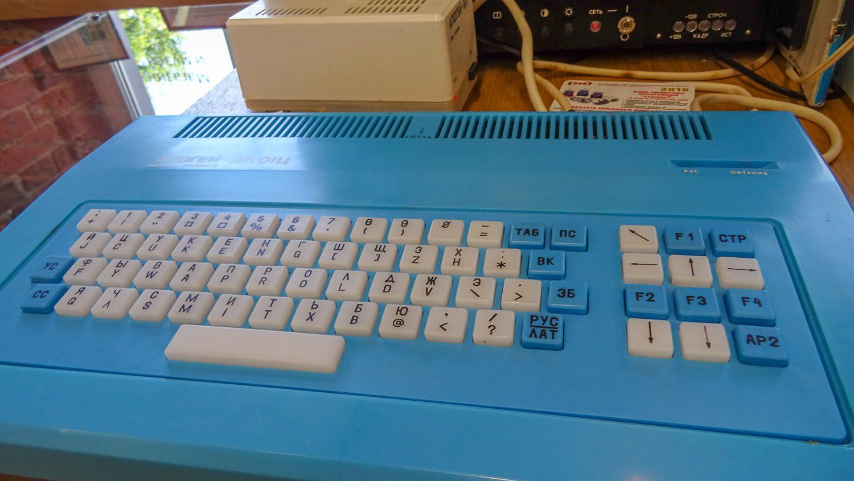 Такую клавиатуру - нет