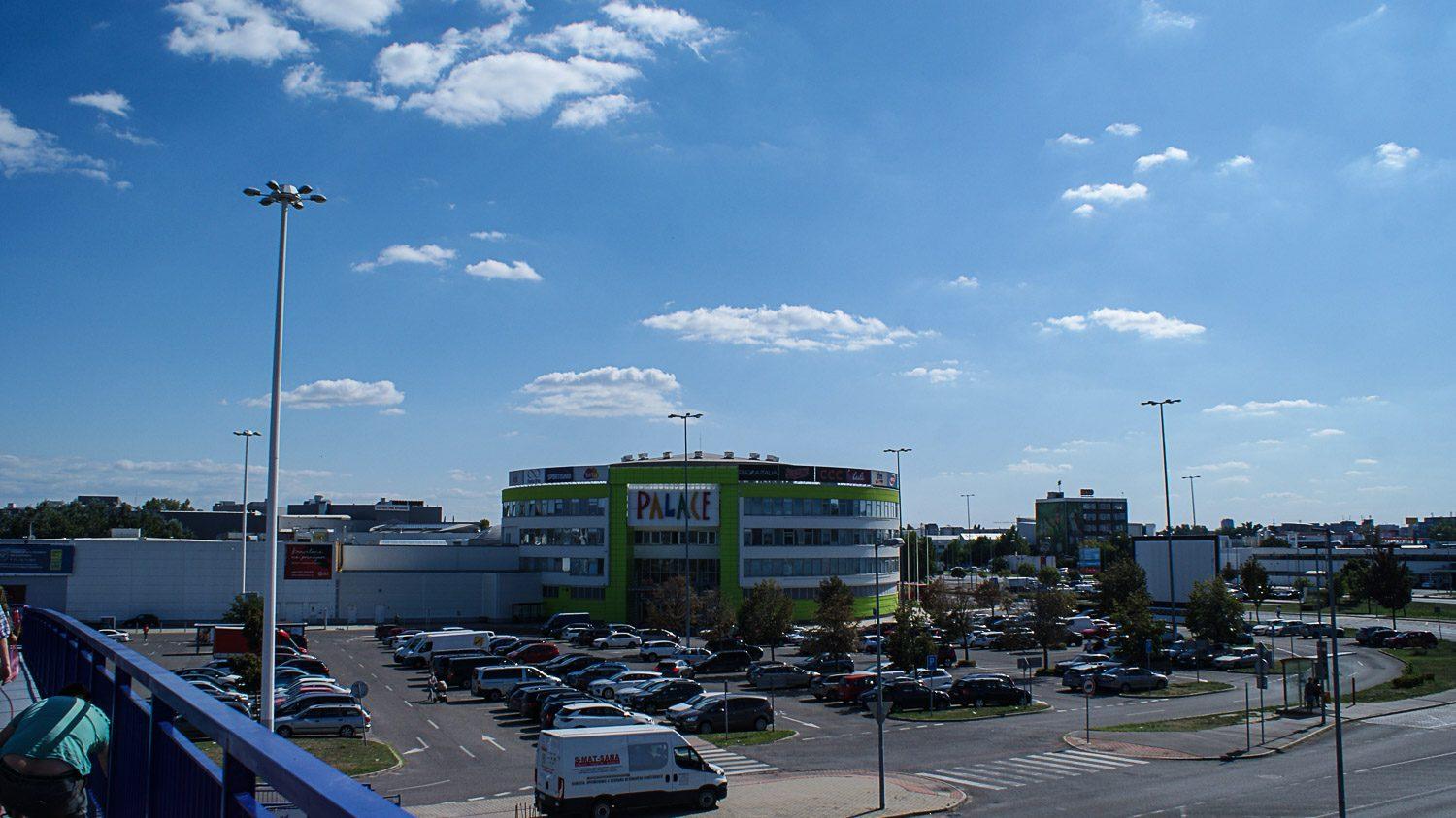 Торговый центр Zlaté Piesky
