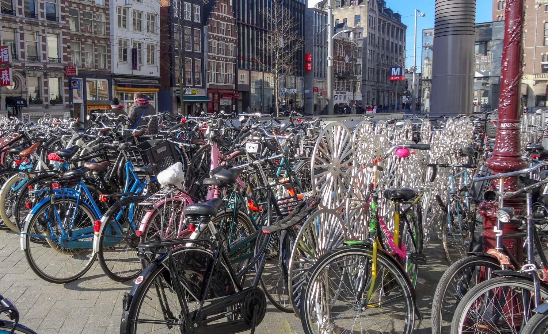 Амстердам - город велосипедов