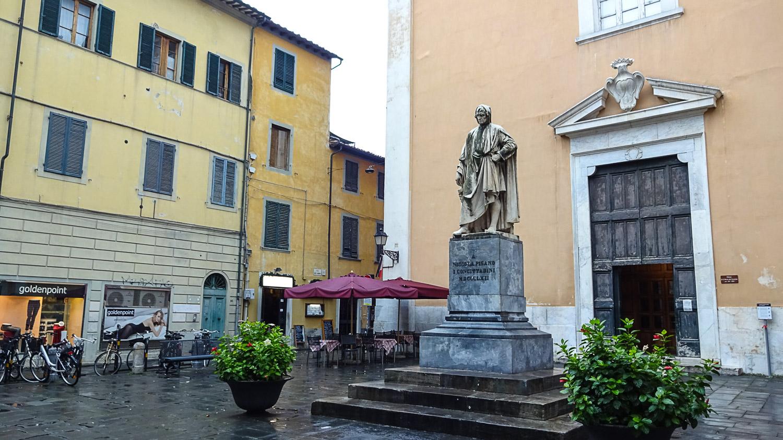 Памятник Никколо Пизано