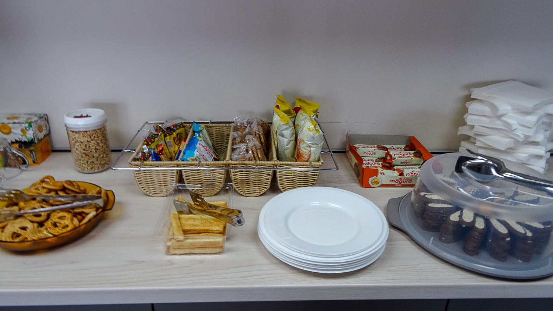 Еда в бизнес-зале