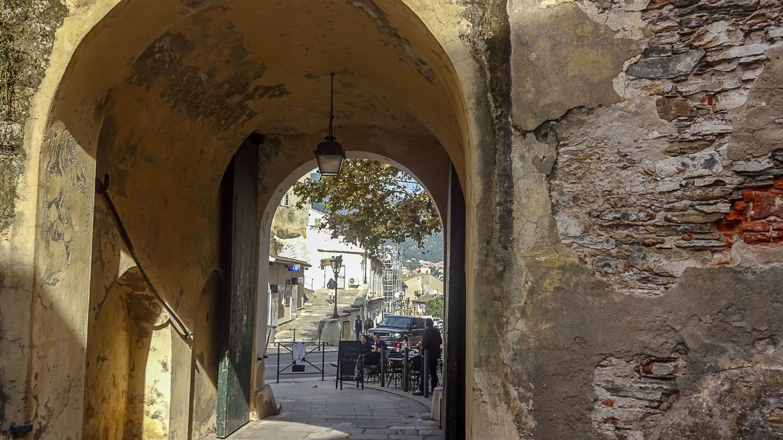 Древняя арка