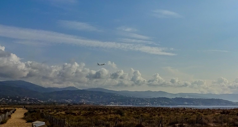 Успели заметить, как взлетает самолет