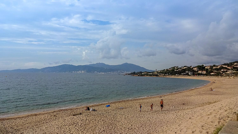 Отличный пляж!