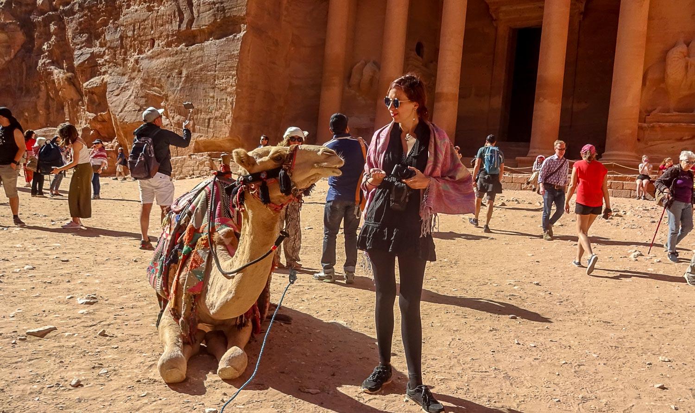 Можно сфотографироваться с верблюдом
