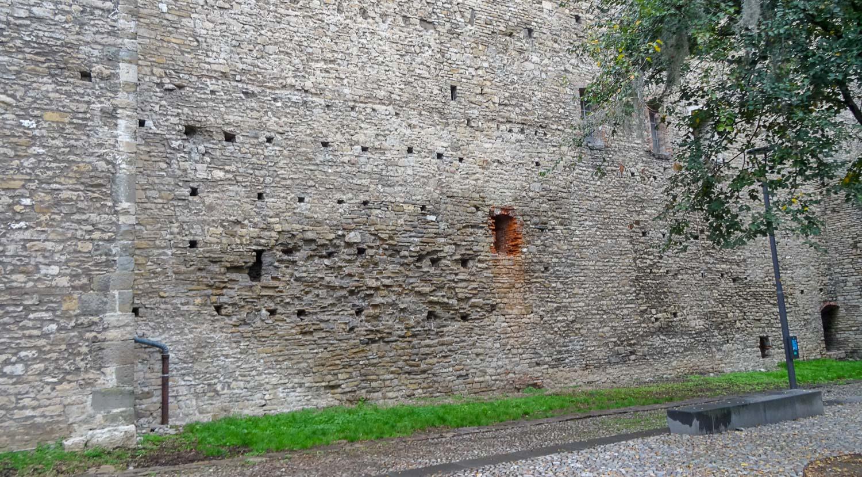 Старая стена