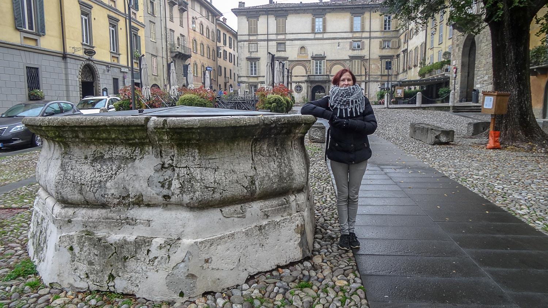 Неработающий фонтан