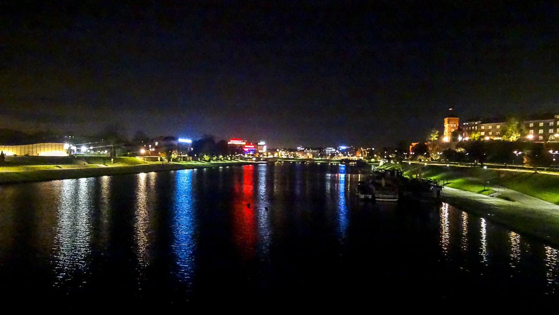 Река Висла в свете вечерних огней