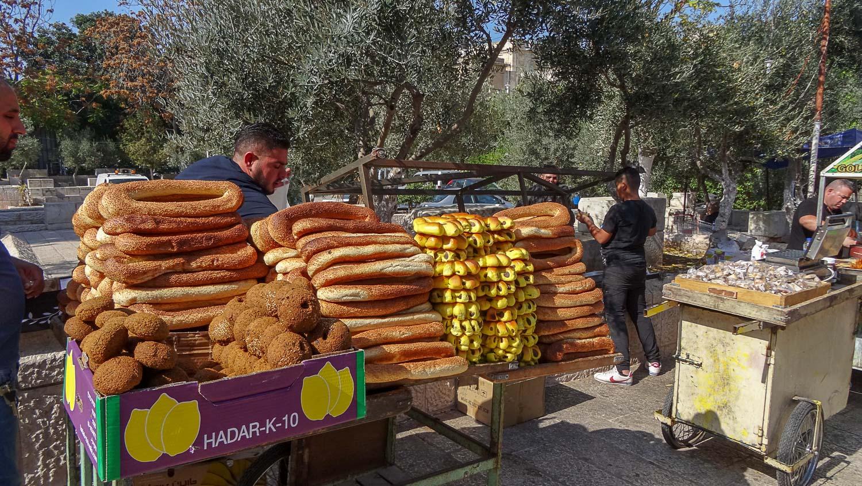 Много хлеба