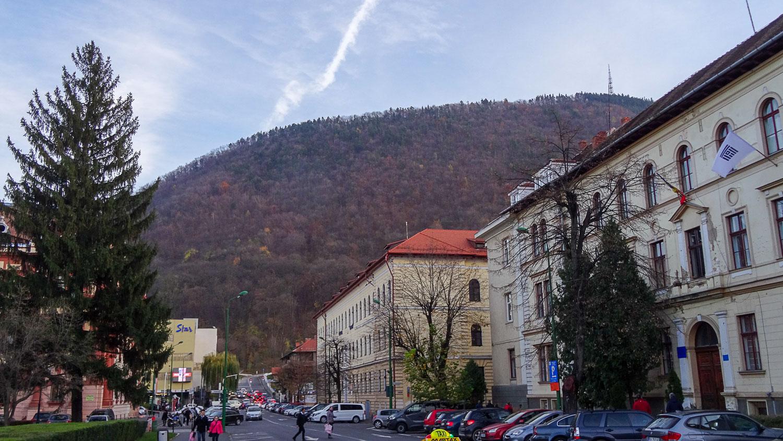 Брашов в окружении Карпатских гор