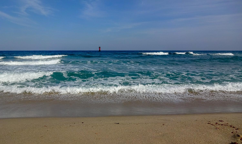 Пляж в Канныне