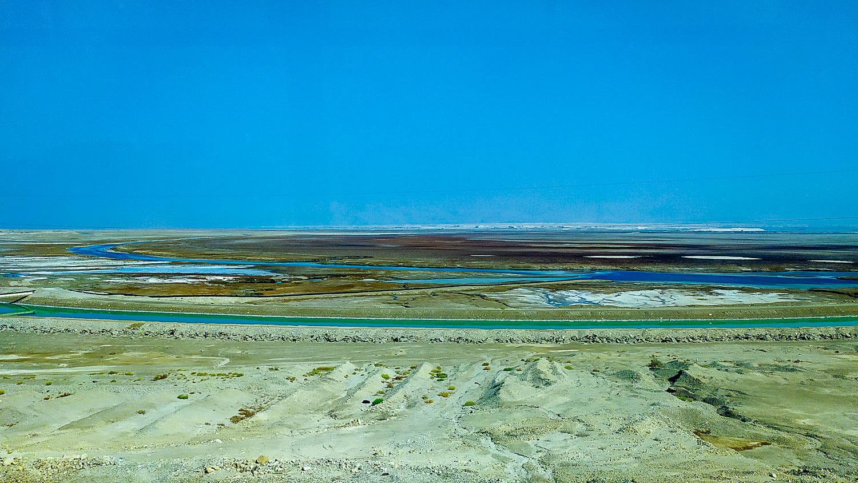 Вид на Мертвое море из автобуса