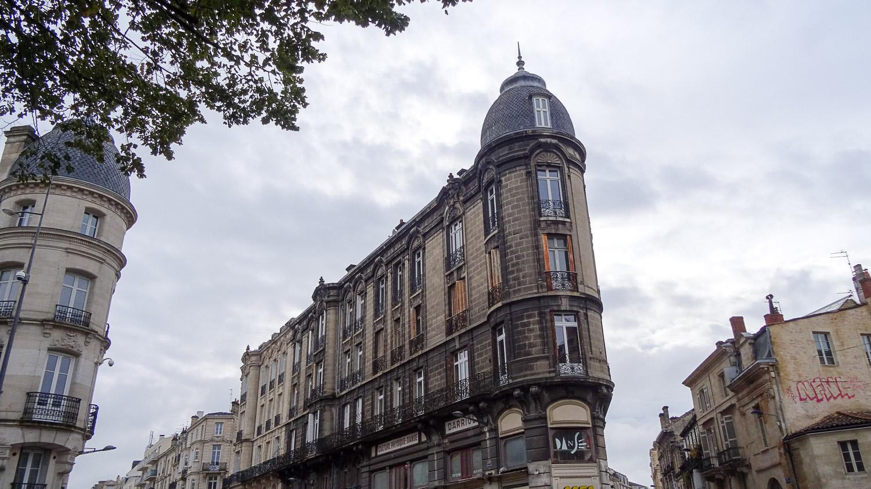 Узкое-узкое здание