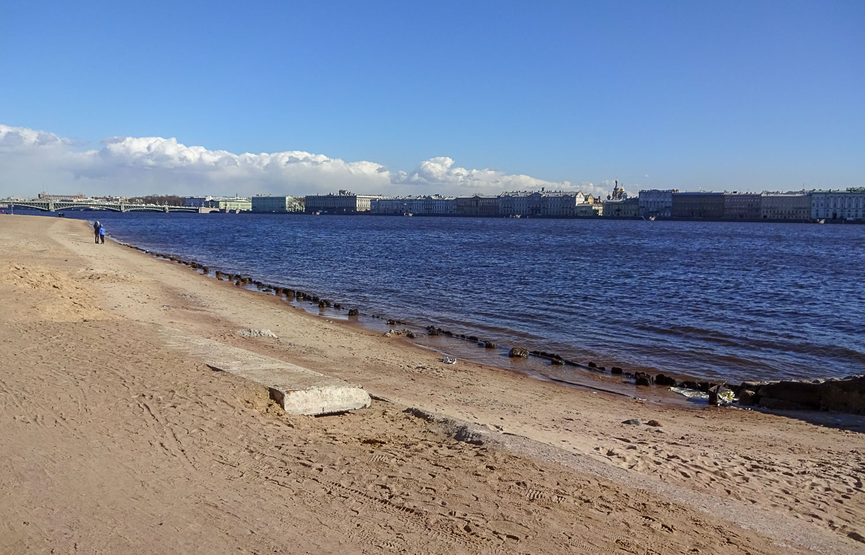 Пляж у Петропавловской крепости