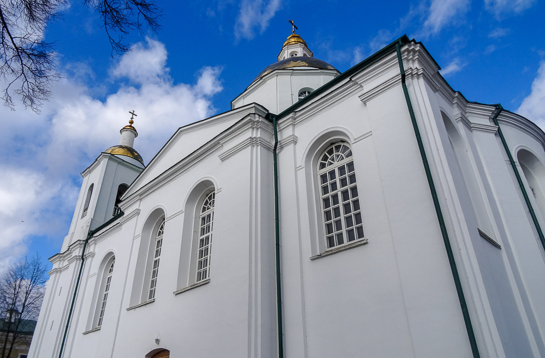 Богоявленский собор сбоку