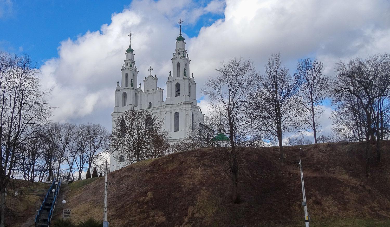 Софийский собор стоит на холме