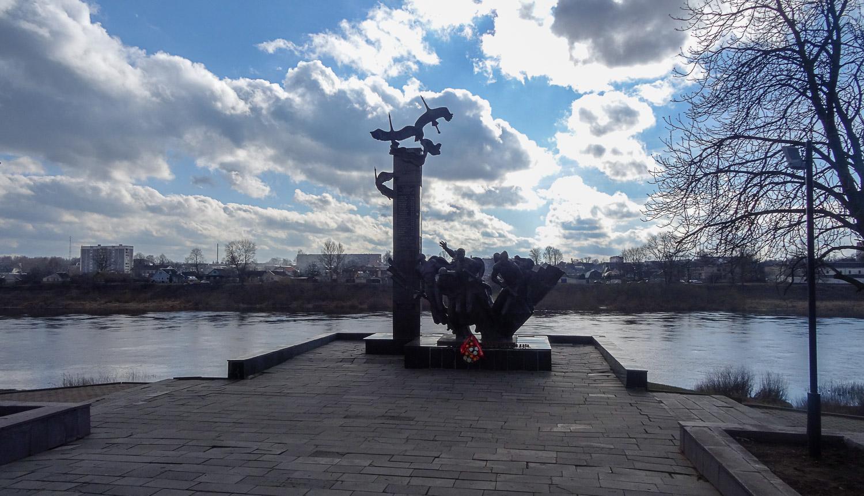 Памятник 23 воинам-гвардейцам