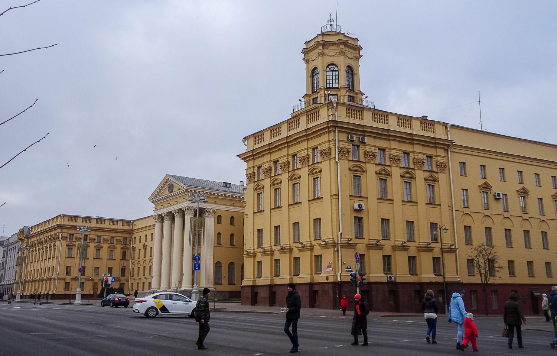 Здание КГБ целиком