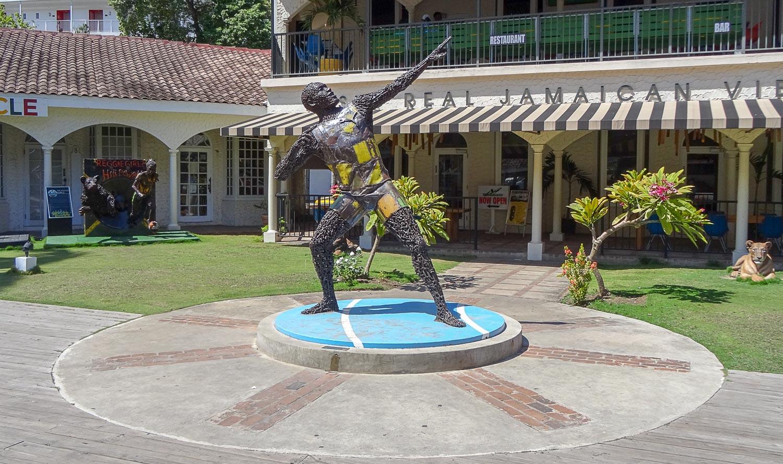 Усейн Болт. Скульптура из болтов