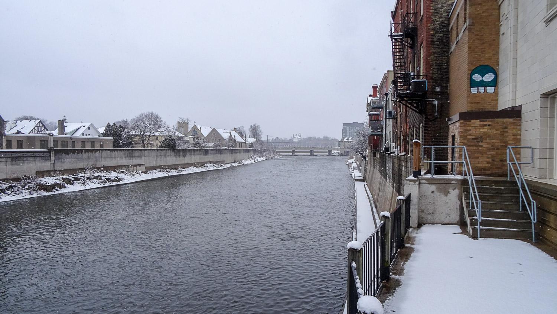 Вид с Cambridge Main Street Bridge