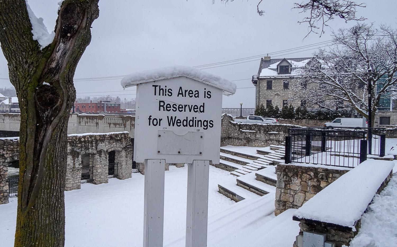 Недаром здесь проходят свадебные фотосессии
