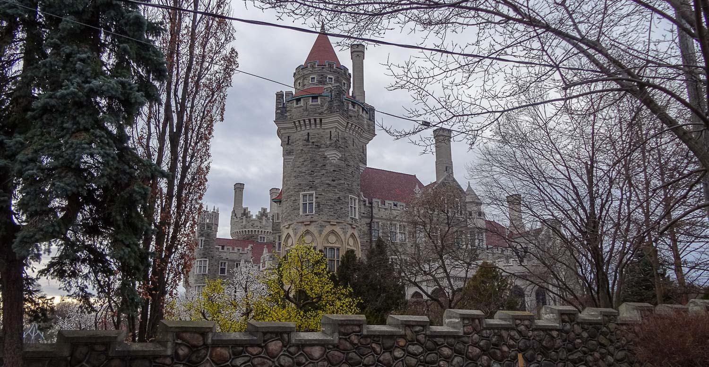 Неоготический замок