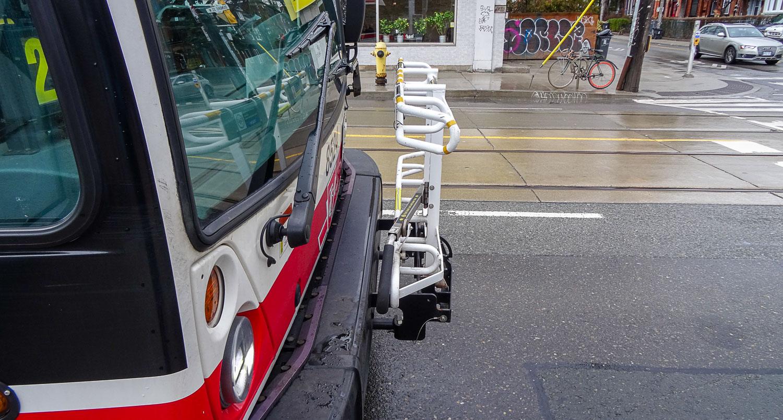 Снова обращаю внимание на механизм для перевозки велосипедов