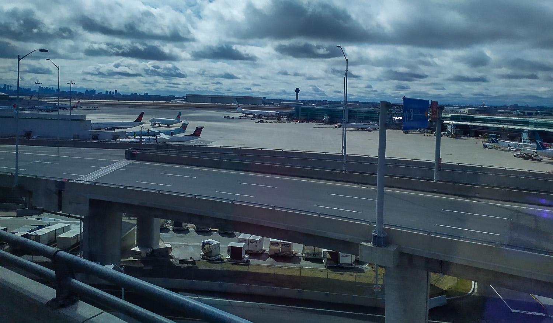 А это в аэропорту