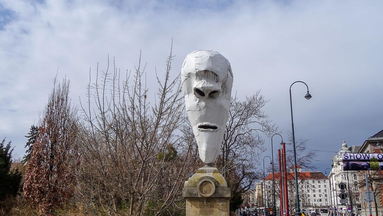 4 Lemurenköpfe - одна из 4 голов привидений на мосту Stubenbrücke