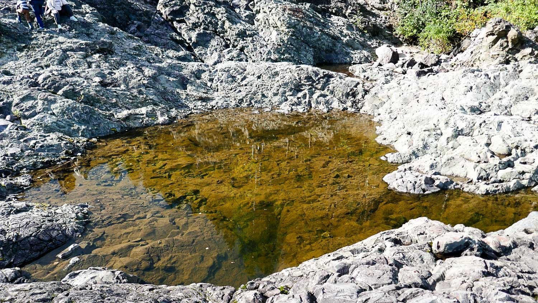 Вода здесь рыжеватая, как это часто бывает в Карелии