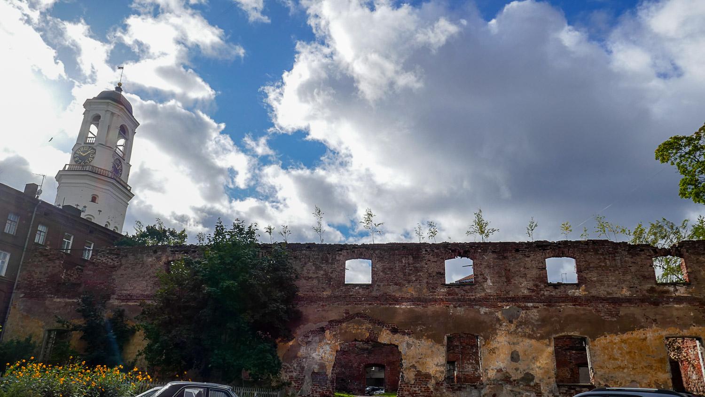 Стены старого кафедрального собора