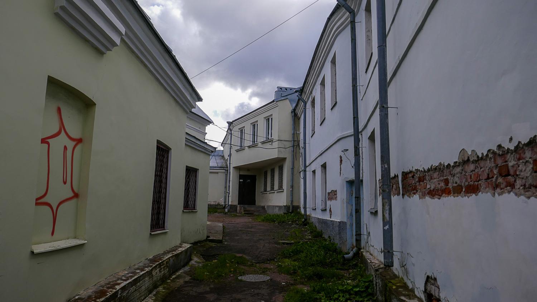 Заглянули в переулок