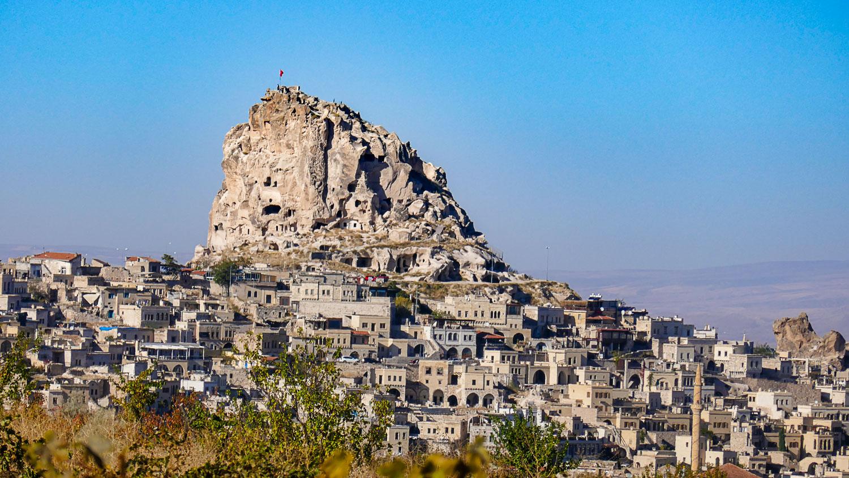 Вид на крепость Учхисар
