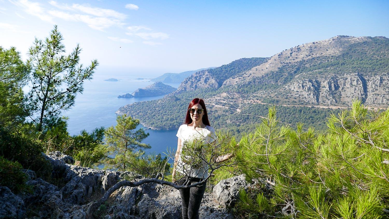 На фоне одного из лучших средиземноморских видов