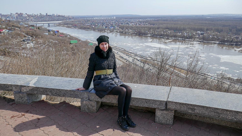 На берегу реки Белой