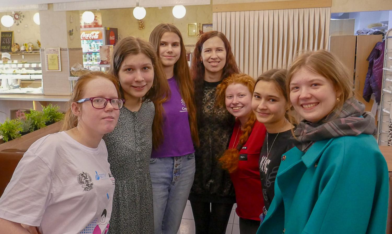 Маша, Варя, Диана, я, Эльвира, Тася и Катя