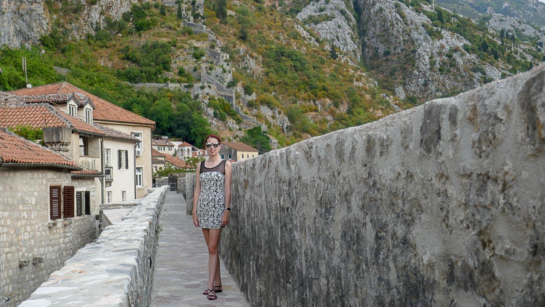 Прогуливаясь по крепостной стене